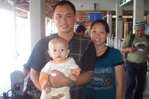 Di Bandara Ngurah Rai, Bali. Beberapa saat sebelum berangkat ke Inggris